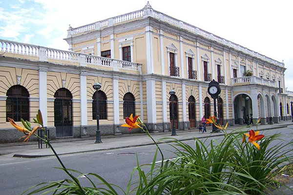 "Library ""La Estación"""